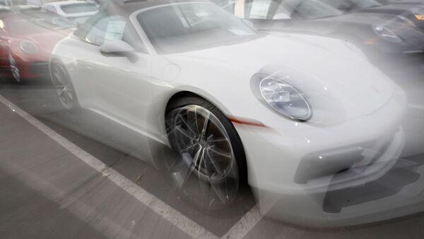Porsche 911 Carrera 4S - Sputnik Mundo