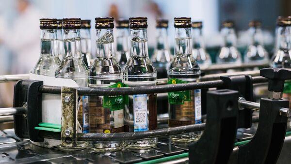 Vodka (imagen referencial) - Sputnik Mundo