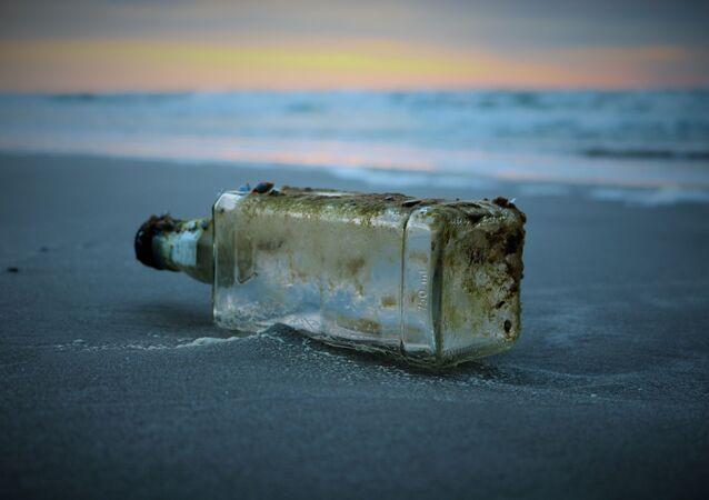 Una botella vacía (imagen referencial)