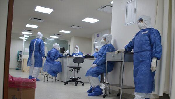 Personal médico en el área COVID - Sputnik Mundo