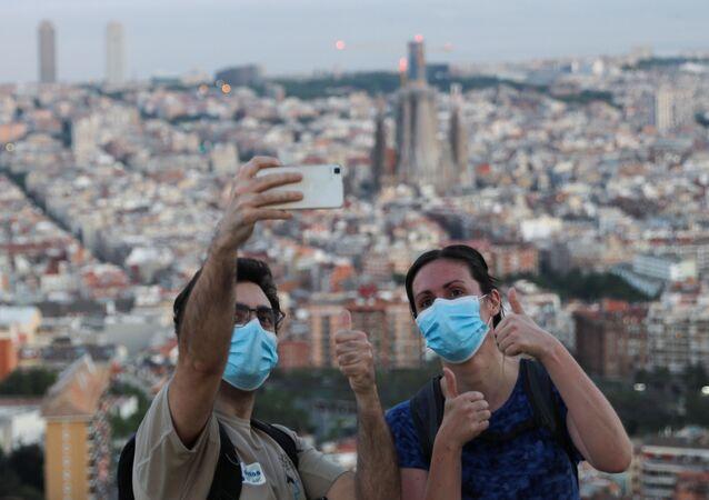 Españoles en Barcelona durante la pandemia de coronavirus