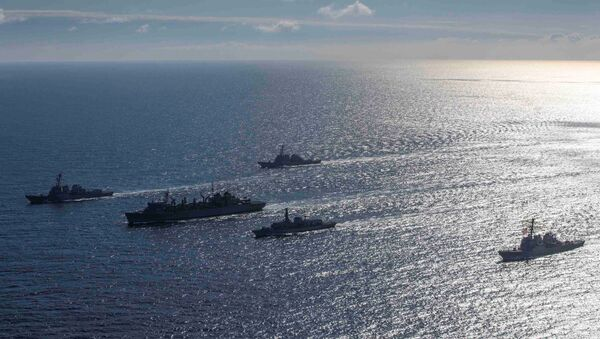 El grupo naval de EEUU y el Reino Unido en el mar de Barents, Ártico - Sputnik Mundo