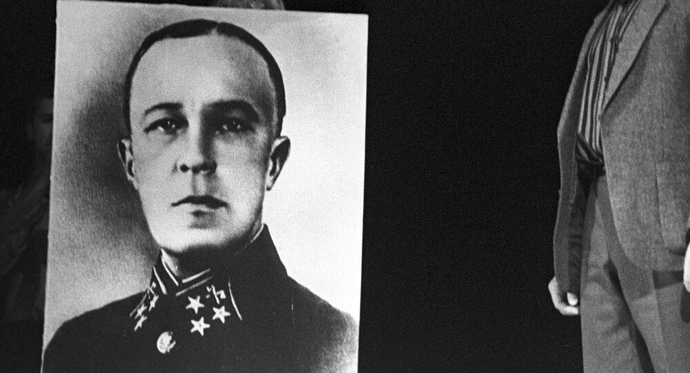 Retrato del general teniente soviético, Dmitri Kárbishev