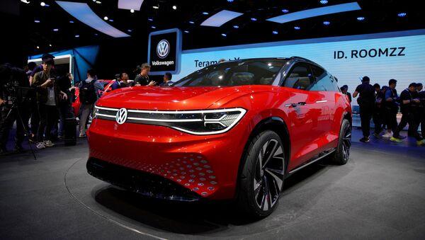SUV ID. ROOMZZ, el automóvil eléctrico de VW - Sputnik Mundo