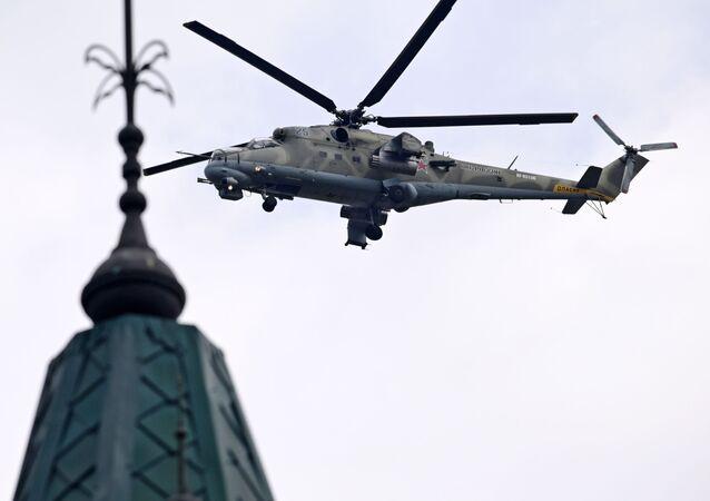 El helicóptero de transporte y de combate Mi-35 (archivo)
