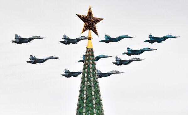 Los momentos más destacados del desfile aéreo de 2020 - Sputnik Mundo