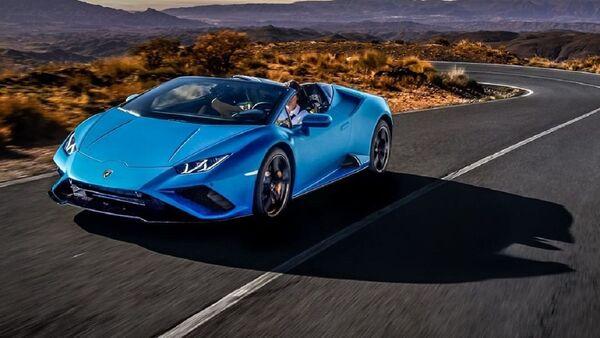 El automóvil deportivo Huracán Evo RWD Spyder de Lamborghini - Sputnik Mundo