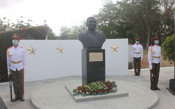 Un monumento dedicado al general de Ejército ruso Issa Alexandrovich Plíyev - Sputnik Mundo