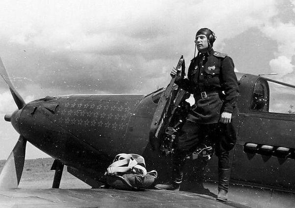 El coronel, comandante de la 9 división aérea de la guardia y legendario piloto Aleksandr Pokrishkin.  - Sputnik Mundo