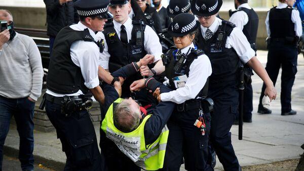Protestas contra el confinamiento en Londres, Reino Unido - Sputnik Mundo