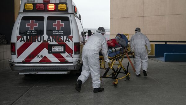 Una ambulancia en Tijuana, México - Sputnik Mundo