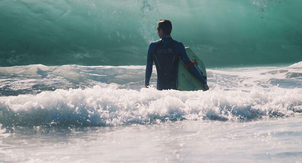 Un surfista, referencial