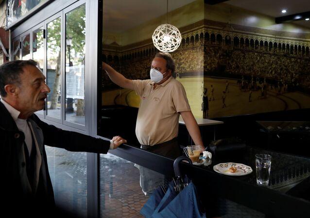 Nueva fase de desescalada en España durante el brote de coronavirus