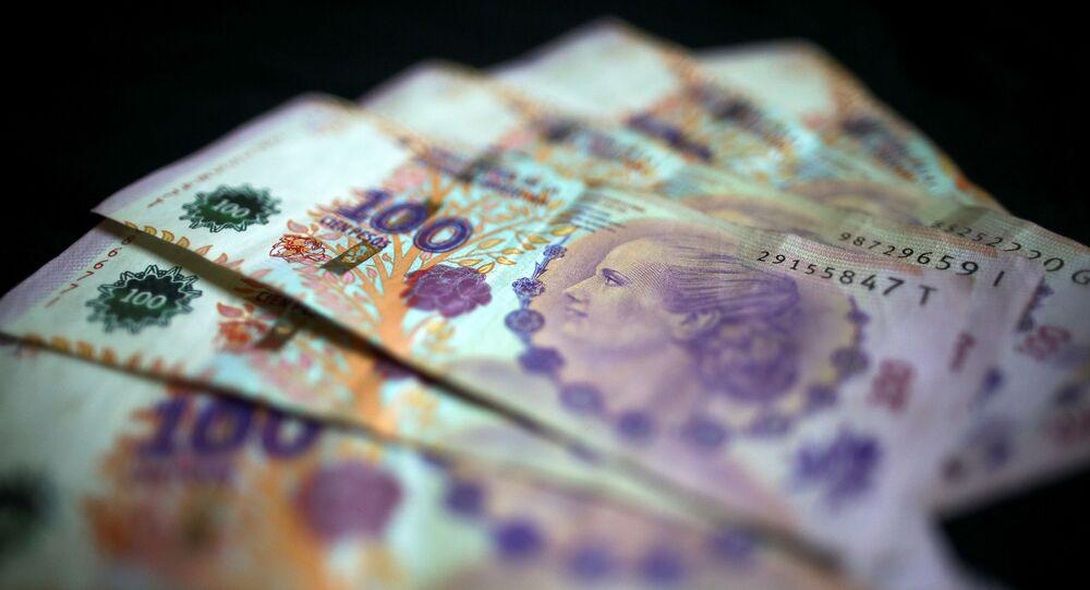 Billetes de 100 pesos argentinos (imagen referencial)