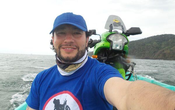 El MotoNauta en bote de Colombia a Panamá, a través de las 365 islas de San Blas para sortear el Tapón del Darién - Sputnik Mundo