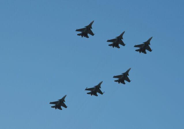 Aviones de caza Su-30