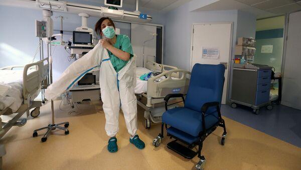 Una enfermera española (imagen referencial) - Sputnik Mundo