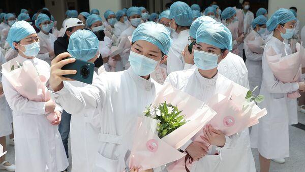 Médicas de Wuhan, China - Sputnik Mundo