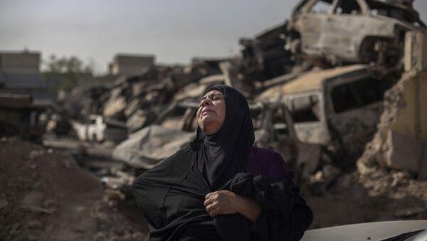 Una vecina de Mosul en 2017 - Sputnik Mundo