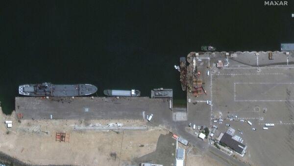 Imágenes satelitales del buque de soporte ligero Konarak del Ejército iraní - Sputnik Mundo