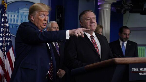 El presidente de EEUU, Donald Trump, y el secretario del Estado, Mike Pompeo - Sputnik Mundo
