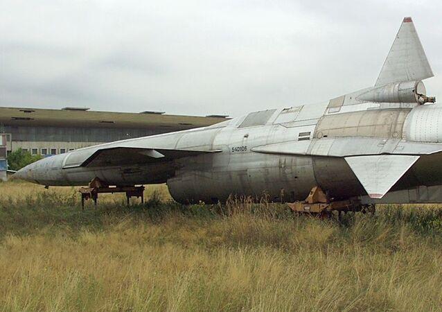 Tu-123
