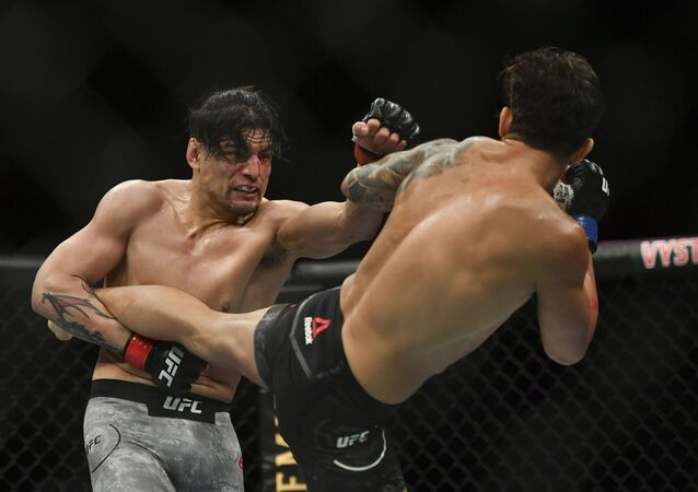 Lucha entre Gabriel Benítez y Omar Morales