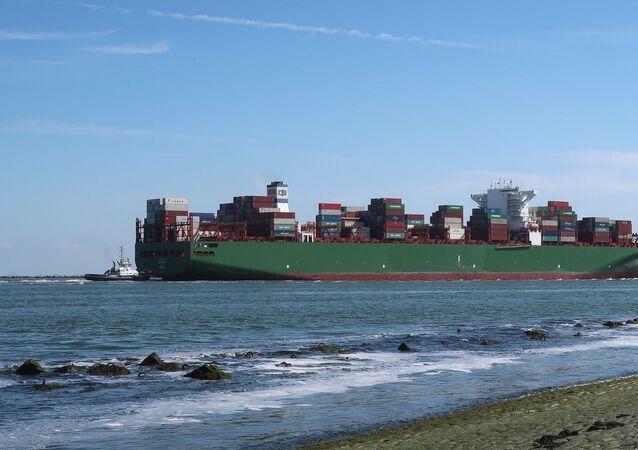 Barco de comercio marítimo