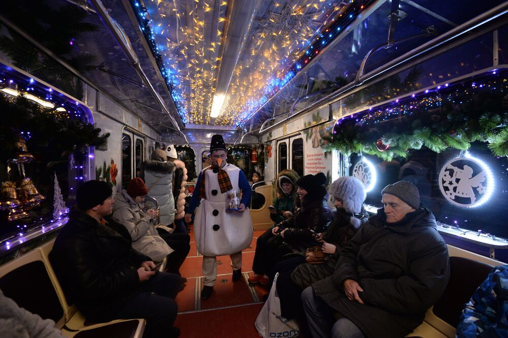 El más bello y preciso del mundo: el metro de Moscú cumple 85 años