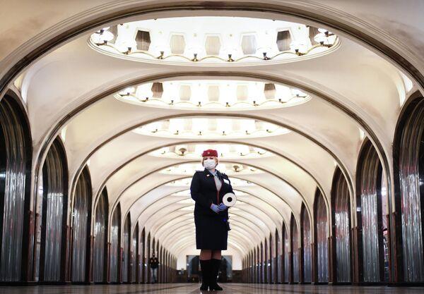 El más bello y preciso del mundo: el metro de Moscú cumple 85 años - Sputnik Mundo