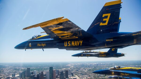 Un vuelo de Blue Angels, el escuadrón aéreo de la Armada de EEUU (archivo) - Sputnik Mundo