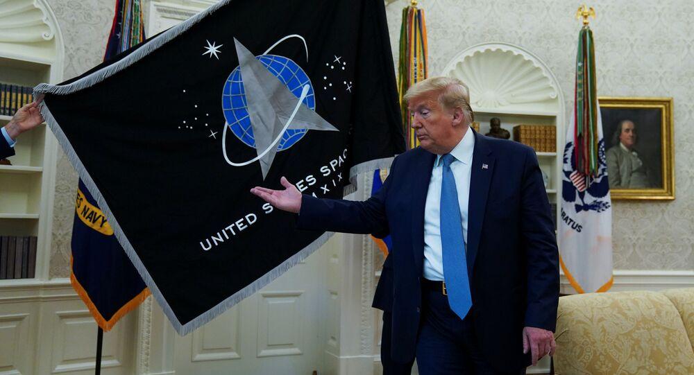 El presidente de Estados Unidos, Donald Trump, en la ceremonia de la inauguración de la bandera de las Fuerzas Espaciales de EEUU
