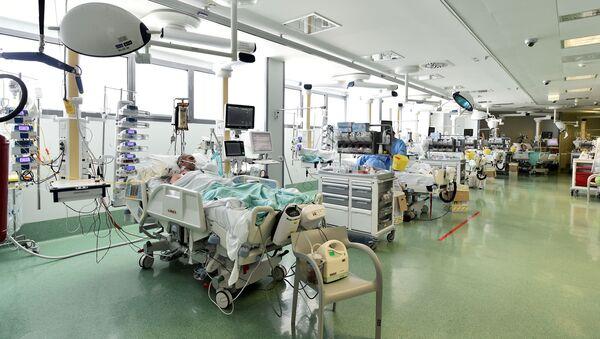 Un hospital en Bergamo, Italia - Sputnik Mundo