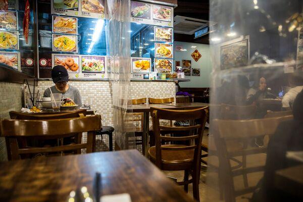 Los restaurantes en la época post-COVID-19: una experiencia distinta    - Sputnik Mundo
