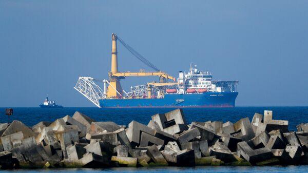 El barco Akademik Cherskiy que se ocupa de la construcción del gasoducto - Sputnik Mundo