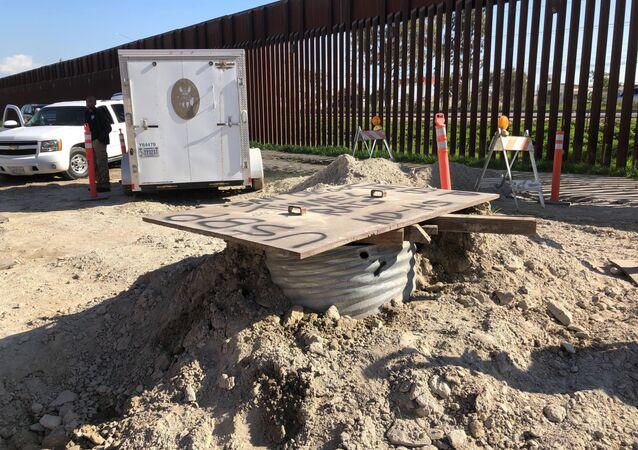 Una entrada en un túnel de narcotraficantes en México