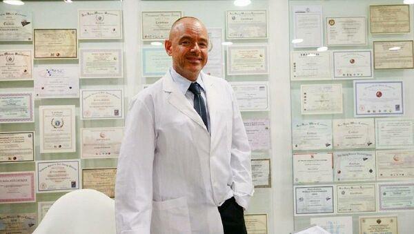Médico Rubén Mühlberger - Sputnik Mundo