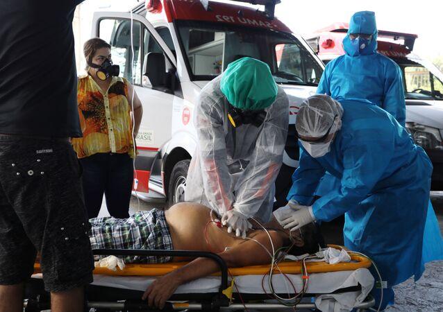 Médicos brasileños