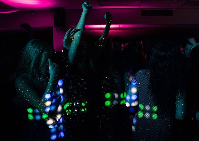 Fiesta. Mujeres. Imagen referencial