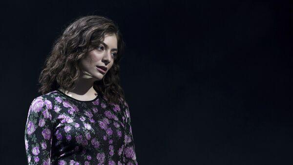 Lorde, la cantante neozelandesa  - Sputnik Mundo