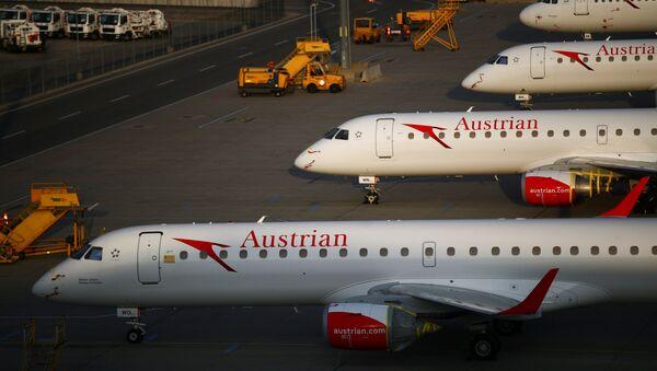 Aeronaves en el aeropuerto de Viena  - Sputnik Mundo