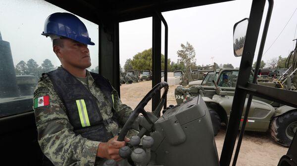 Inicio de los trabajos de construcción del aeropuerto General Felipe Ángeles en la base militar aérea Santa Lucía - Sputnik Mundo