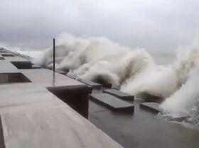El ciclón Amphal toca tierra en la bahía de Bengala