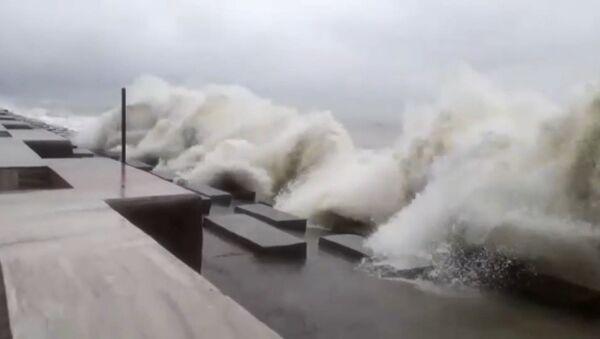 El ciclón Amphal toca tierra en la bahía de Bengala - Sputnik Mundo
