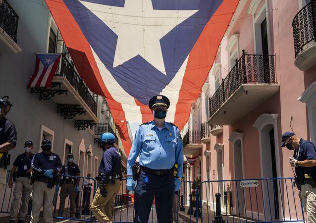Policía en San Juan, Puerto Rico