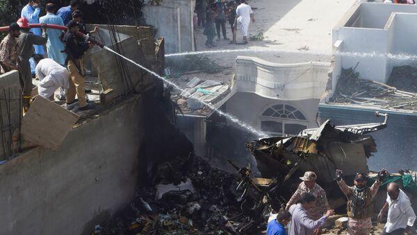 Lugar del siniestro del avión de Pakistan Airlines - Sputnik Mundo