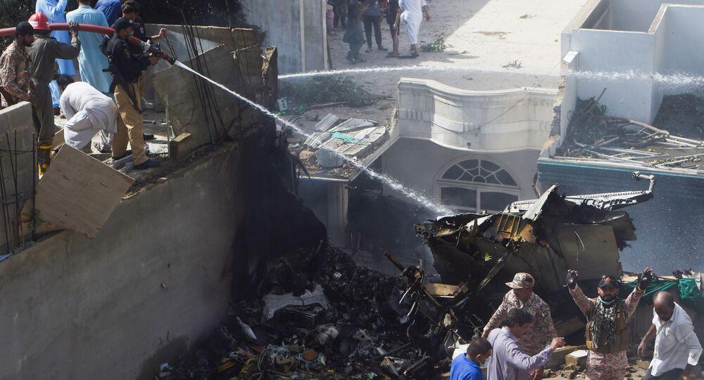 Se estrelló un avión en Pakistán y murieron sus 107 ocupantes