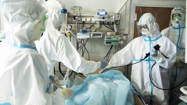 Médicos rusos - Sputnik Mundo