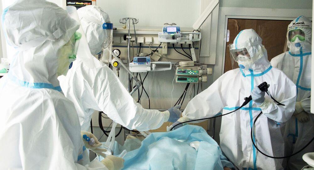 Médicos rusos