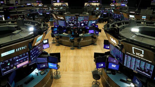 Bolsa de Nueva York, EEUU, durante la pandemia del COVID-19 - Sputnik Mundo
